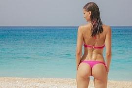 bikini-1171315__180.jpg