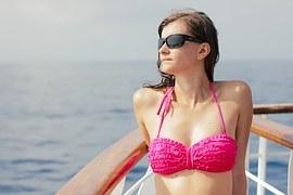 bikini-1171316__180.jpg