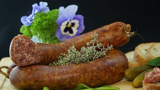 sausage-556491__180.jpg